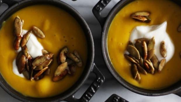 Kabocha-squash-soup-HonestlyYUM--640x960.jpg