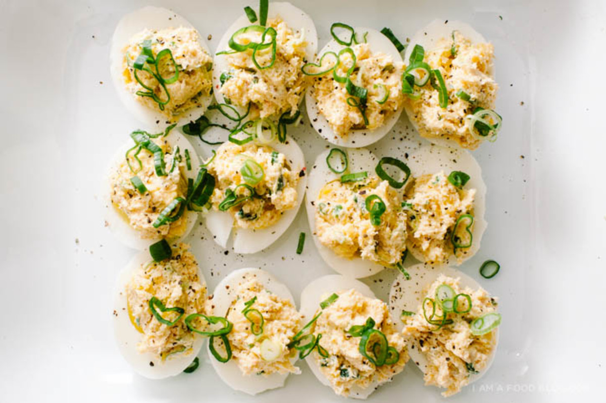 crab-rangoon-deviled-eggs-31.jpg